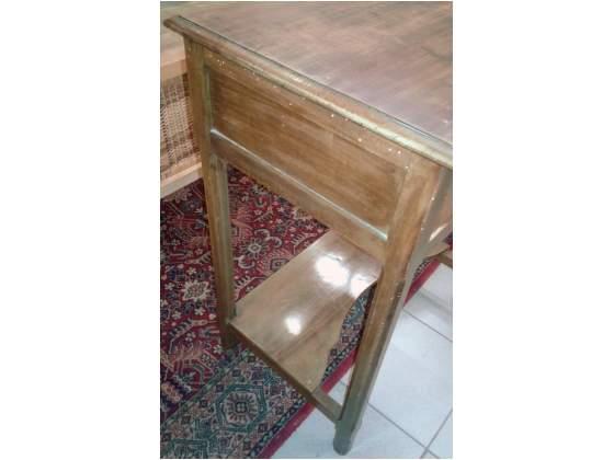 Tavolino scrittoio in legno con cassetto