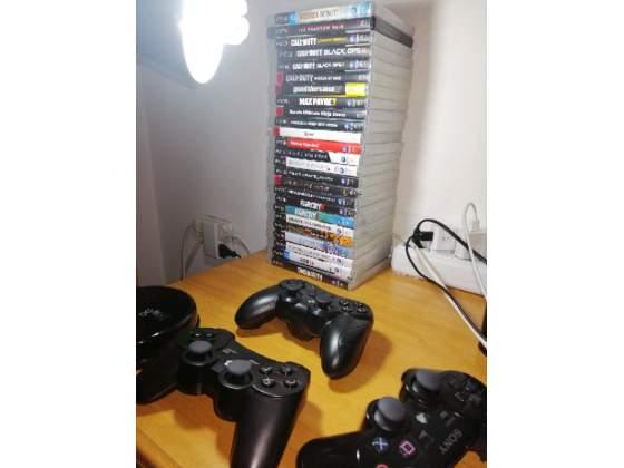 PlayStation 3 ps3 con 3 controller e 30 giochi