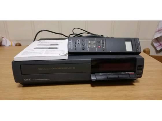 Video registratore VHS HITACHI VT-M20E