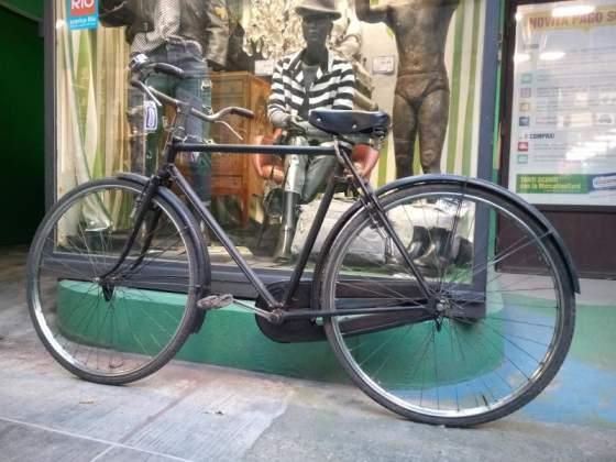 Bicicletta uomo bianchi nera bacchetta