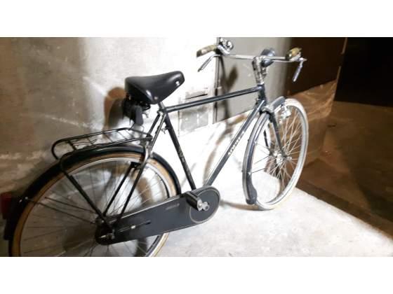 Bicicletta vintage aqula con freni a bacchetta