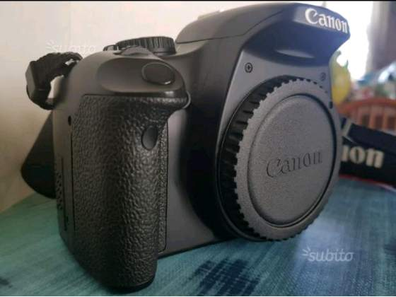 Canon Eos 450D + battery pack -