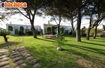 Villa a Lecce di  mq