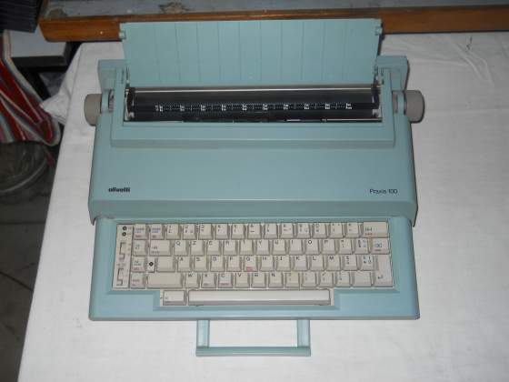 Macchina da scrivere elettrica Olivetti Praxis 100