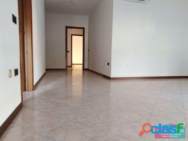 Ampio appartamento in zona Policlinico a Modena