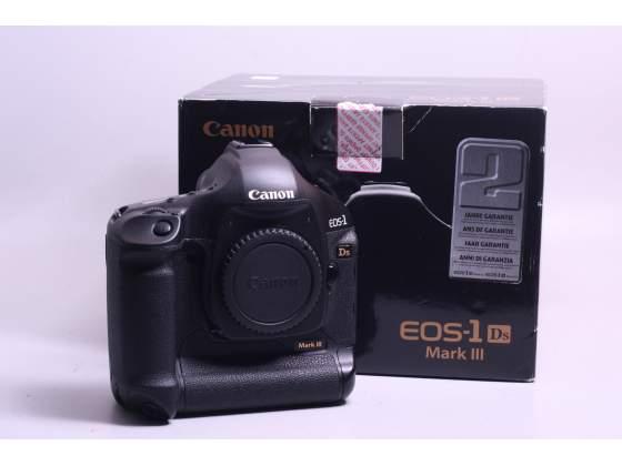 Fotocamera digitale reflex f.f. canon eos 1 ds mark iii.