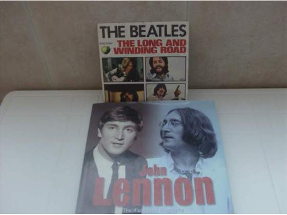 THE BEATLES Libro e 45 giri The long and winding road