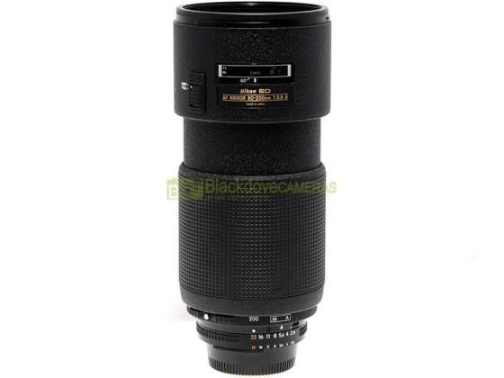 Nikon AF-D Nikkor mm. f/2.8 obiettivo zoom full frame
