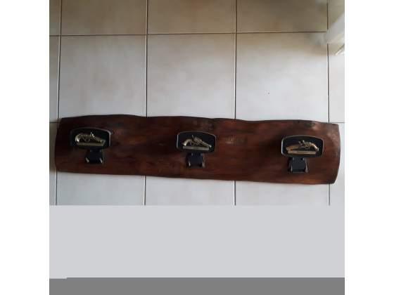 Arte povera attaccapanni rustico da muro in legno massello