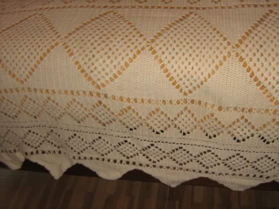 Copriletto ad uncinetto realizzato dalla nonna