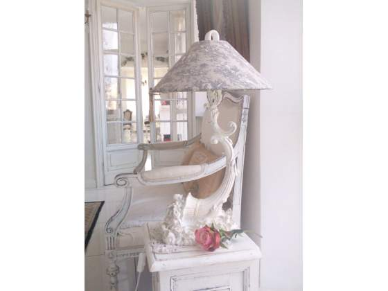 Lampada da tavolo bianca shabby chic toile de jouy vintage