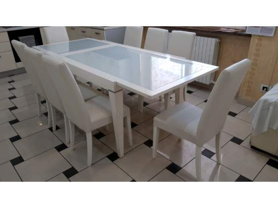 Tavolo in legno e vetro con 8 sedie in pelle