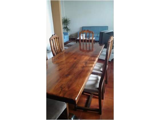 Tavolo massello con sei sedie