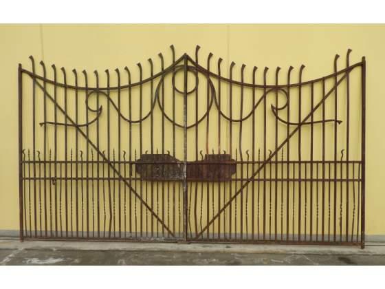 Cancello e cancelletto in ferro battuto