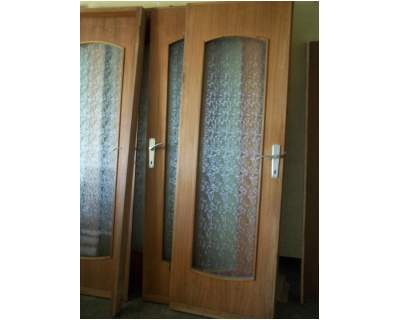 N. 8 porte in legno da interno con telaio