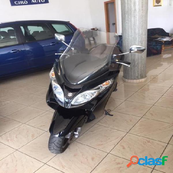 Suzuki Burgman AN 400 benzina in vendita a Cirò Marina