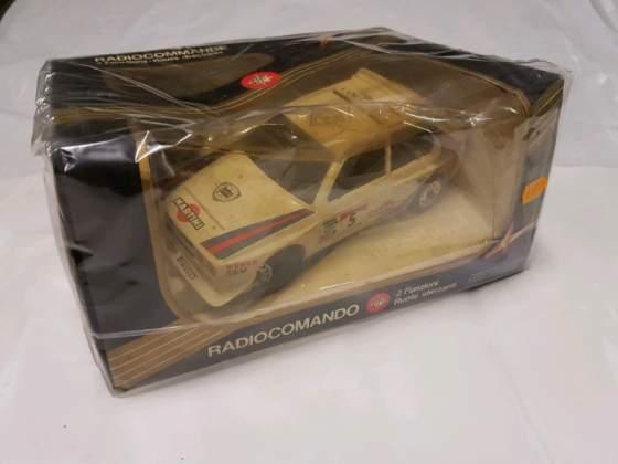 Lancia Delta rallye Martini Q4 reel Italia anni 80