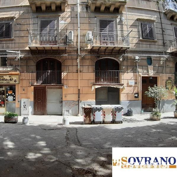 Vendita palermo centro: ampio appartamento con terrazzo