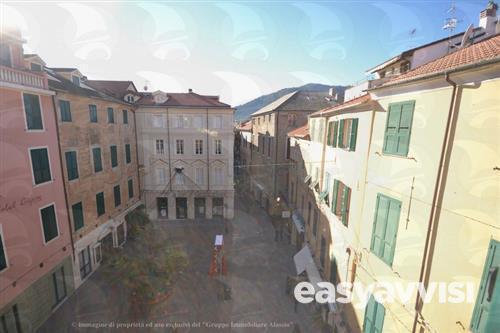 Alassio elegante appartamento nel centro storico, provincia
