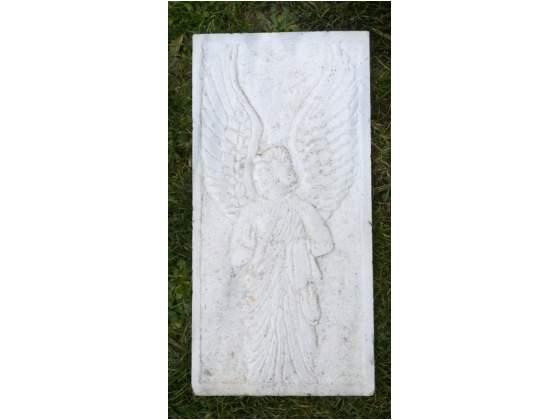 Arcangelo inciso su marmo bianco di Carrara