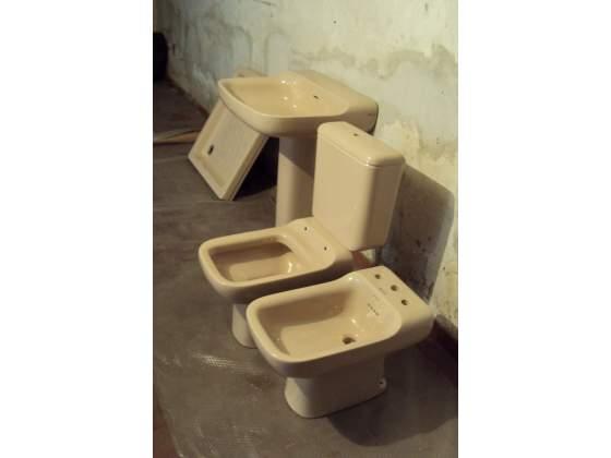 Servizi igienici IDEAL STANDARD nuovi linea CONCA colore