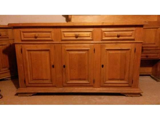 Credenza con alzata in legno stile rustico