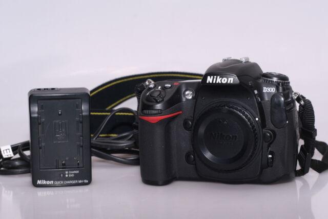 Fotocamera digitale reflex nikon d300. solo coropo.