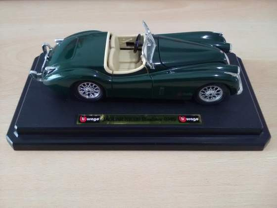 Modellino Jaguar Burago 1 24