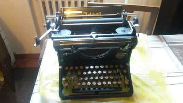 La piu' antica macchina da scrivere ideal sn seidel &