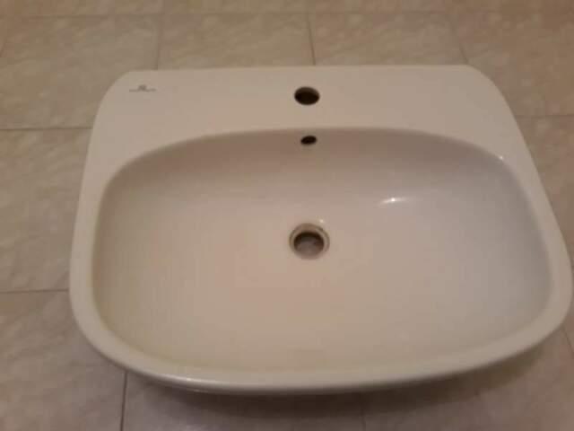 Lavabo sospeso per bagno Pozzi Ginori compreso di rubinetto