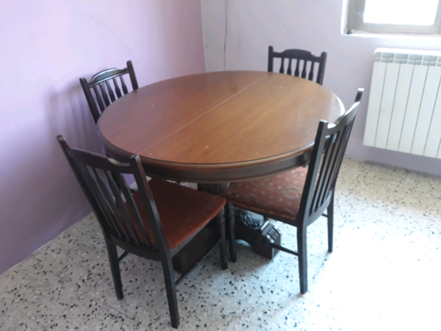 Tavolo con 4 sedie