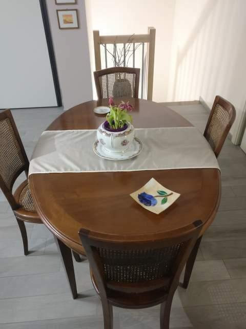 Tavolo e 4 sedie in legno massello (marca: L'Origine)
