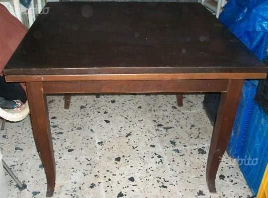 Tavolo quadrato legno massello noce a libro