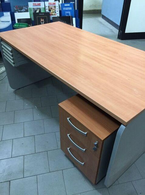 Cassettiera Scrivania Con Ruote.Scrivania Con Cassettiera Su Ruote Ikea In Faggio Posot Class