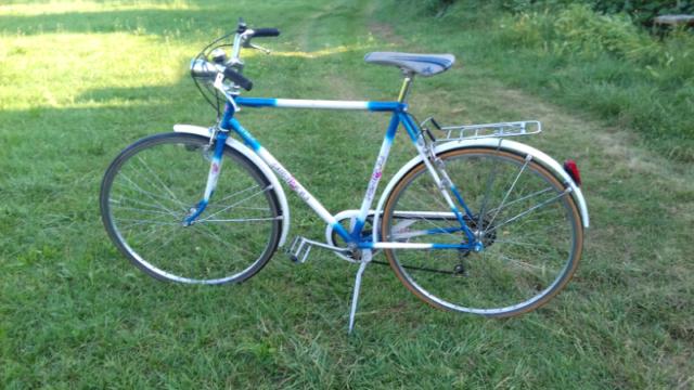 Bici uomo anni 70 ruote 28 col bianco azzurro