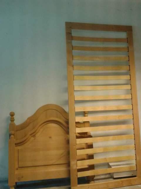 2 letti singoli in legno di faggio