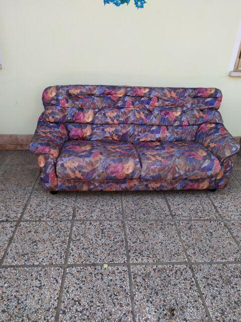 Due divani da 2 o tre posti