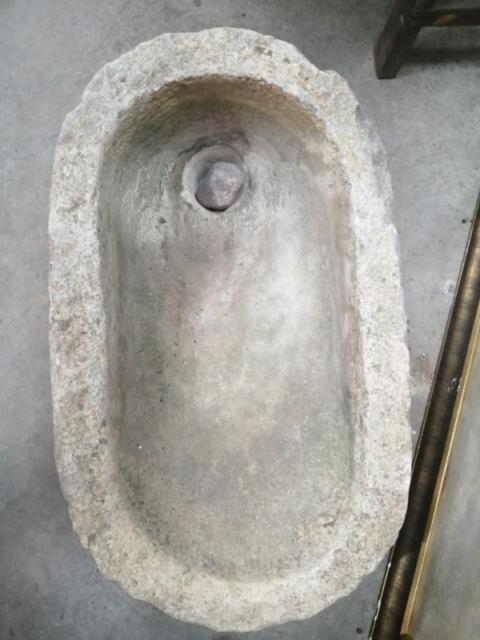 Lavabo in pietra fine 700