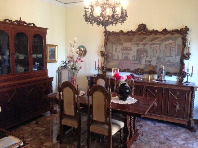 Soggiorno Classico in Stile in Noce Massello