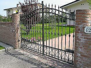 Realizzo cancelli recinzioni ringhiere scale posot class for Cancelli da giardino