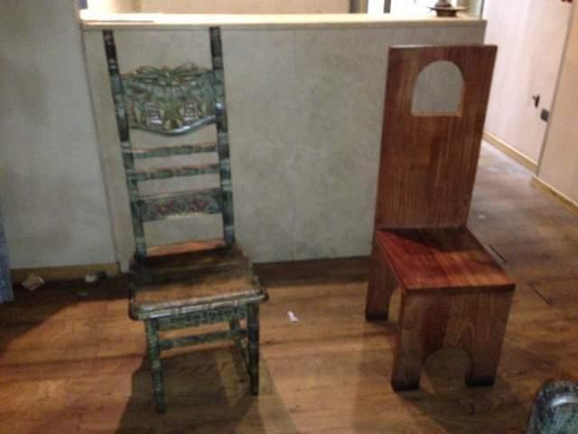 Tavolo e sedie legno e giunco