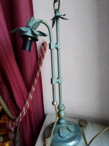LAMPADA FIORE IN FERRO BATTUTO