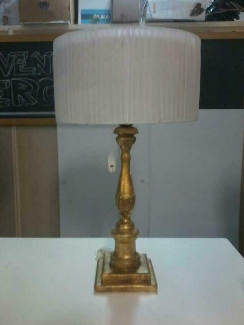 Lampada tavolo dorata cappello rotondo