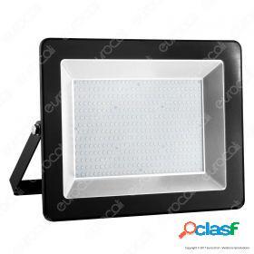 200W LED Floodlight I-Series Black Body 6000K