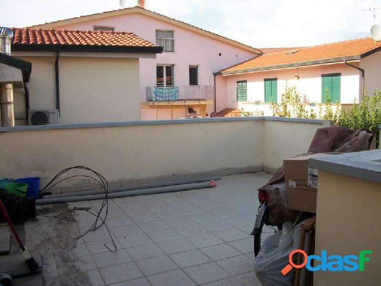 Appartamento in vendita a Viareggio Migliarina