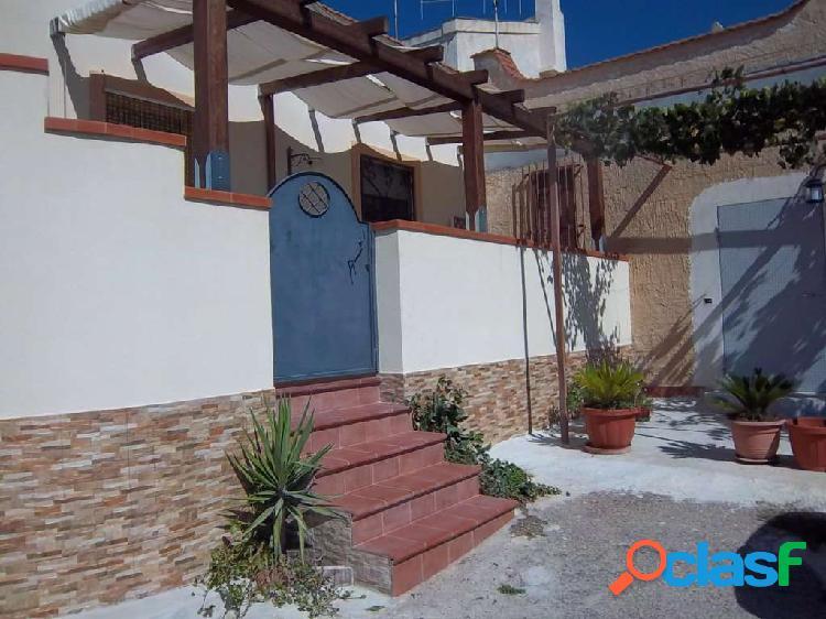 In vendita a Marsala casa semindip. in periferia
