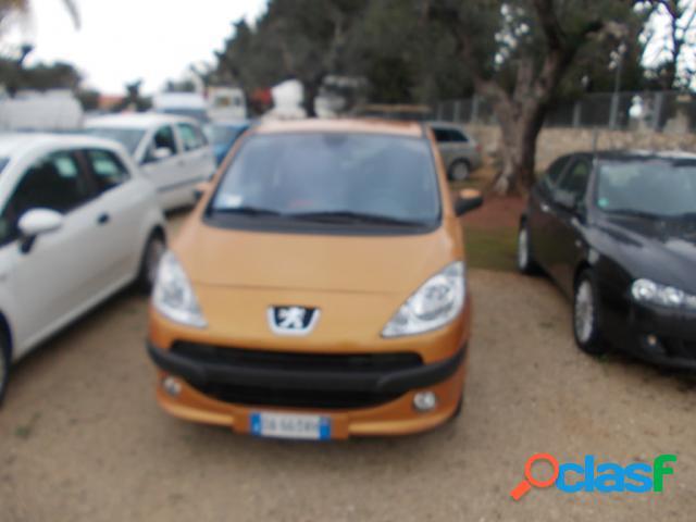PEUGEOT 1007 benzina in vendita a Galatina (Lecce)