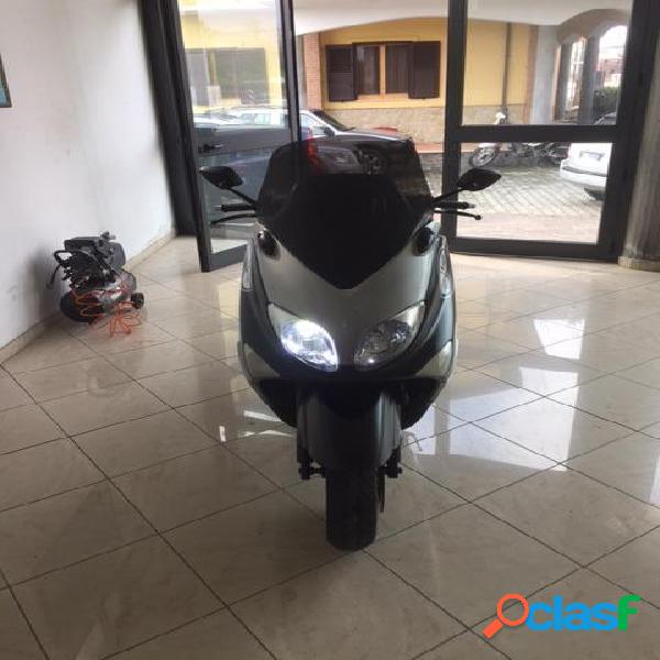 Yamaha T-Max 500 benzina in vendita a Cirò Marina (Crotone)
