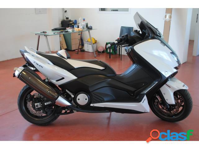 Yamaha TMax 530 benzina in vendita a Viterbo (Viterbo)