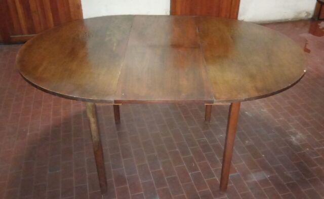 Tavolo allungabile 4-6 posti in legno anni 60